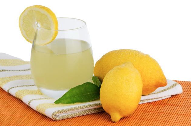 Χάστε βάρος με τη βοήθεια του λεμονιού.